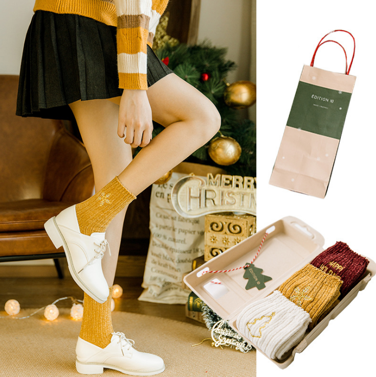Winter new christmas 3 pairs gift box embroidery cotton socks women