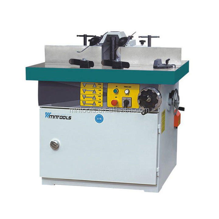 Wood milling machine spindle moulder with tilting shaft