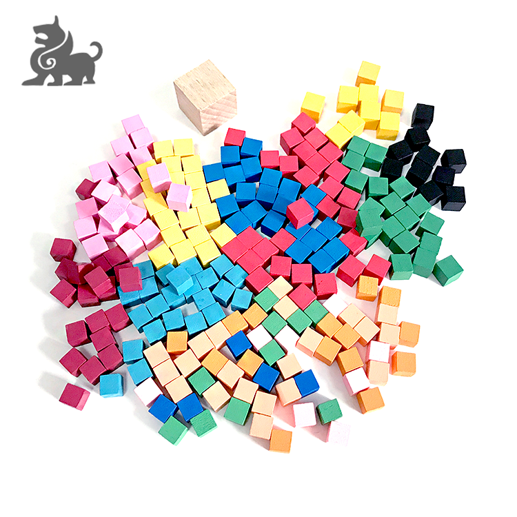 Mini wooden cube board game pieces made in China