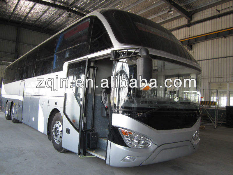 Cummins Engine SINOTRUK 13.6m 50seats luxury tour buses