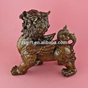 High quality polyresin crafts resin lion figurine for Fengshui decorative