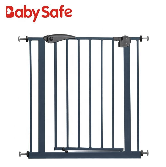 Adjustable Metal Pet Safety Gate Automatically Closes and Locks Baby Safety Gate Without Damaging Walls