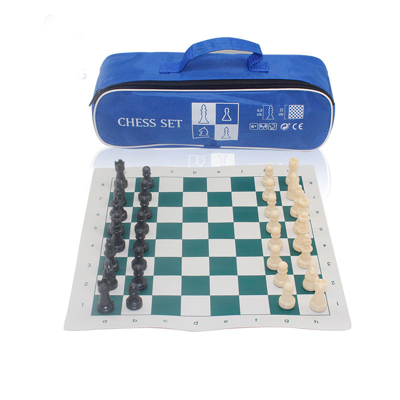 Personalized Travel Play Game Portable Board Game Leather Chess Sets With Wooden Pieces
