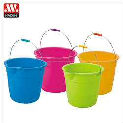 Cheap plastic water bucket with metal handle small wash bucket with pour spout 9L sand toys container