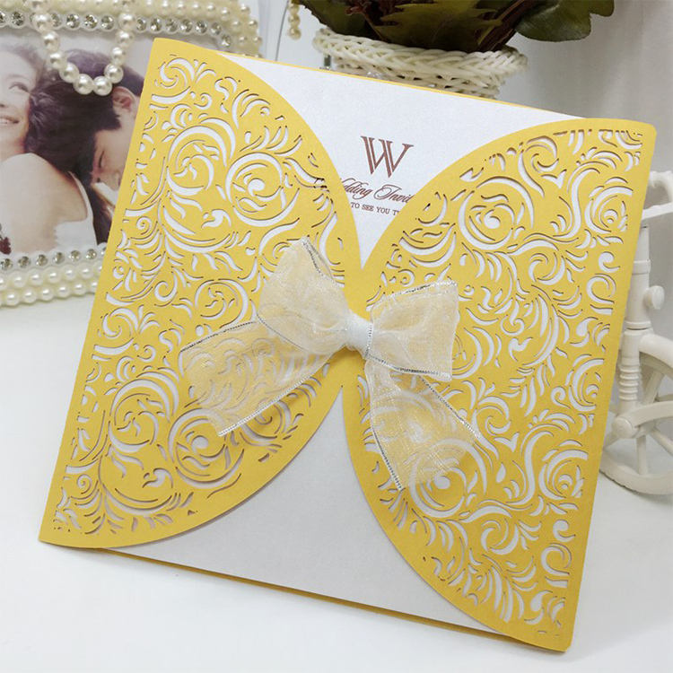 Modern Design Flower Lace Decorating Wedding Invitation Cards