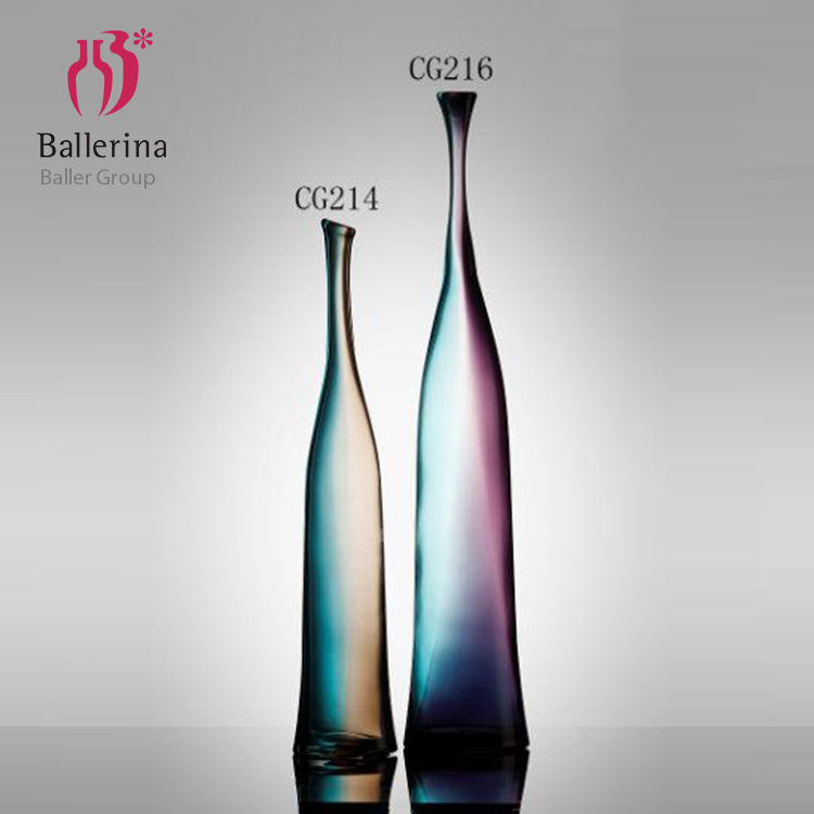 2019 Arts and crafts home luxury decor geometric shaped colorful glass vase for florist