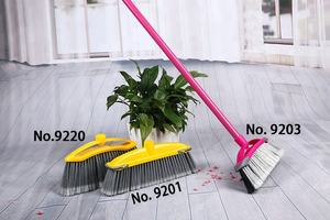 China Soft Bristle Easy Clean Up Plastic Stick Long Handle Broom
