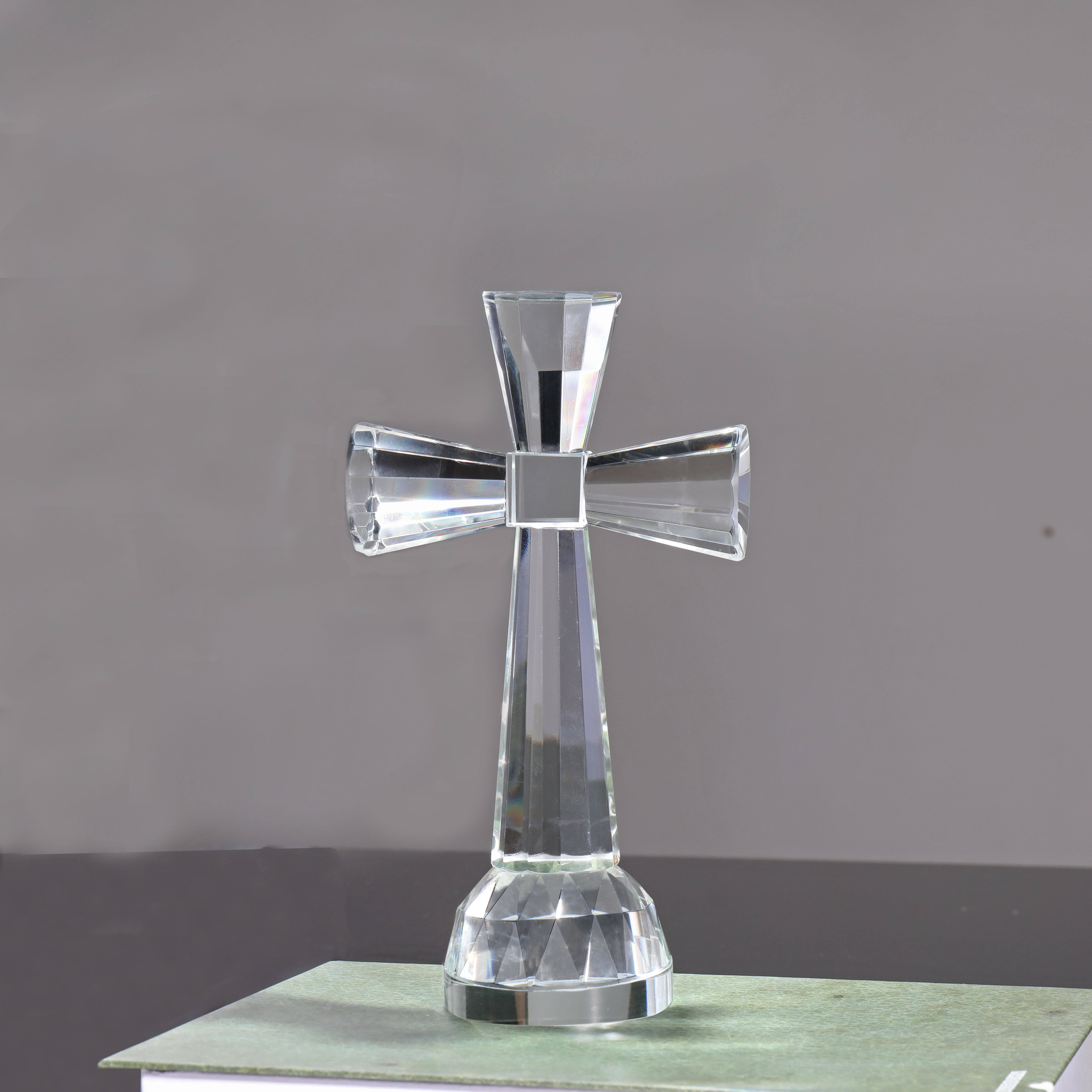 clear christian gift crystal cross with stand desk decoration