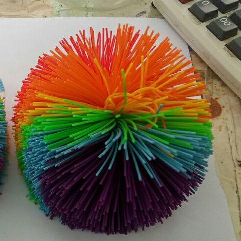 Ventes chaudes d'origine 2 cm-10 cm silicone personnalisé muti-kouch jouet balles