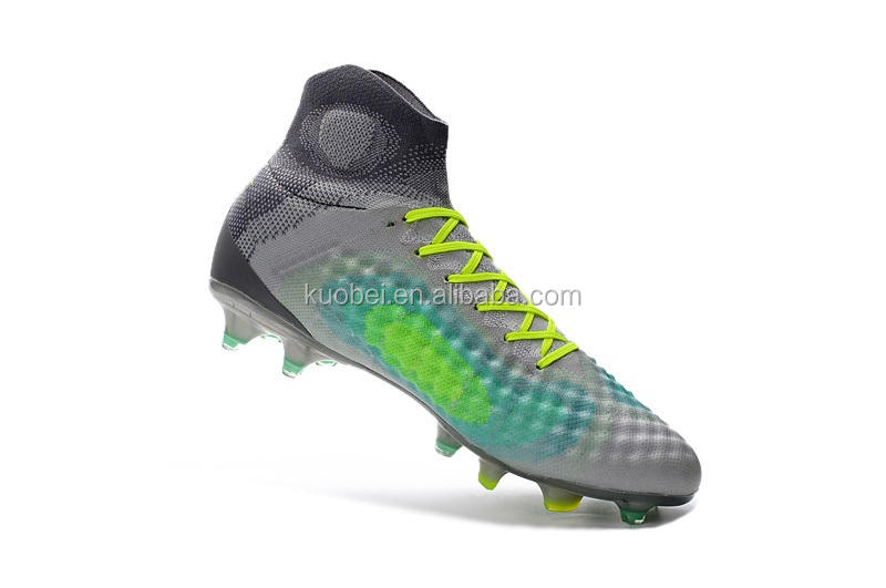 Famous football player's soccer shoes wholesale in 1 pair with cheap price made in china