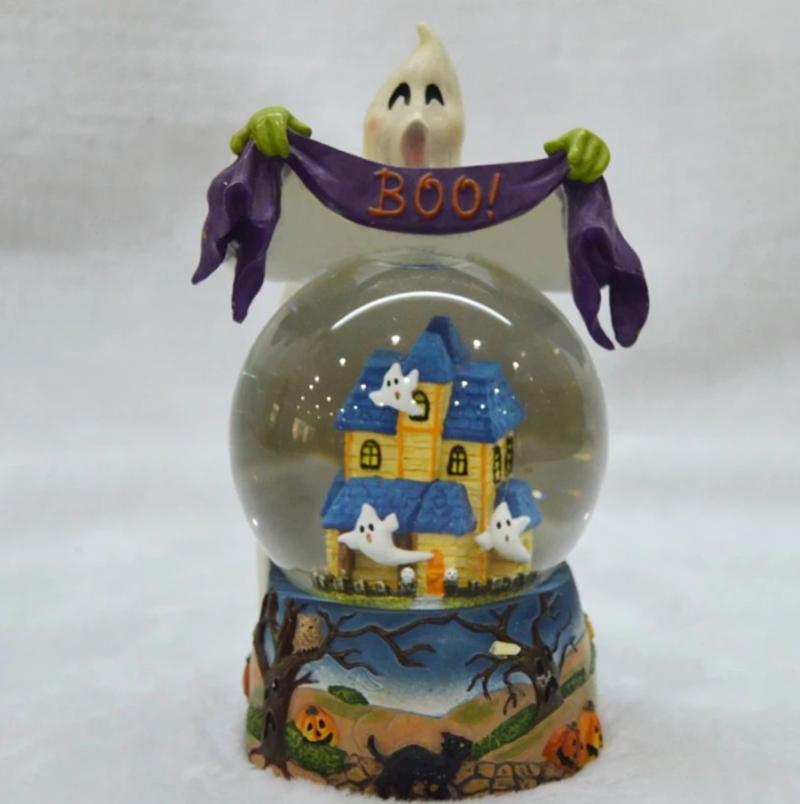 Shenzhen custom snow globe manufacturer, Halloween themed snow globe souvenir