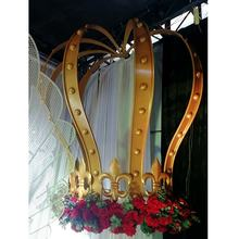 2018 latest  stage background large gold crown for wedding props