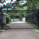 Green space design wall and gate house aluminum modern fence