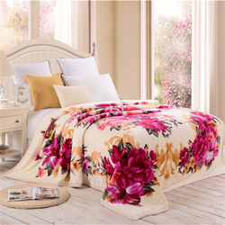 custom printing baby red rose bedding set Wholesale Microfib
