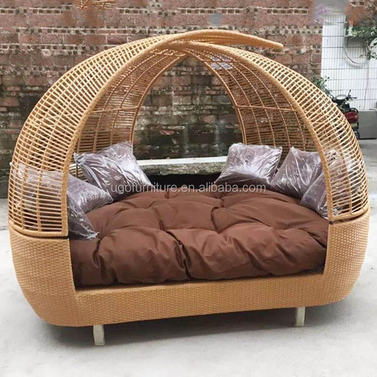 China products modern round outdoor lounge chair garden furniture rattan daybed with canopy