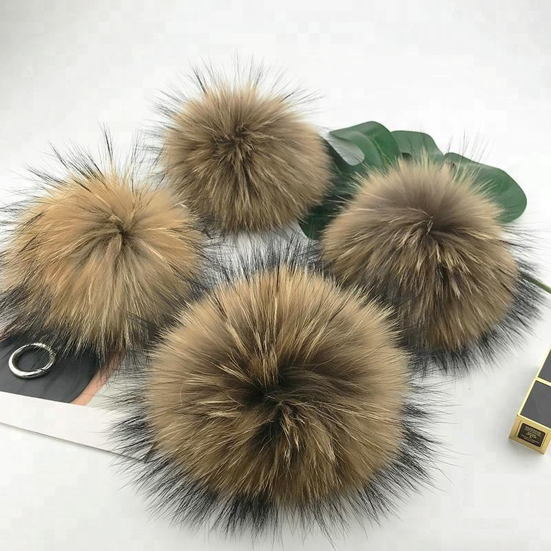 Whole Sale High Quality Natural Raccoon Fur Pompoms Bag Charm Keychain