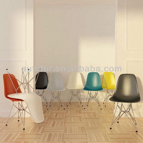 réplica de cadeira de jantar plástico de Eames
