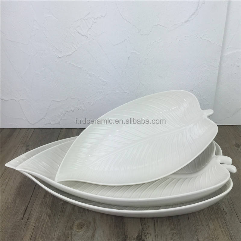 Multi-size hotel restaurant white ceramic leaf shaped dish set