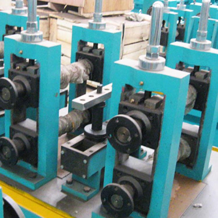 Nivel <span class=keywords><strong>Internacional</strong></span> rectángulo tubo de metal que forma la máquina