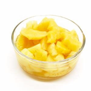 canned pineapple pieces in light syrup / in heavy syrup / in natuaral juice fresh raw material good taste