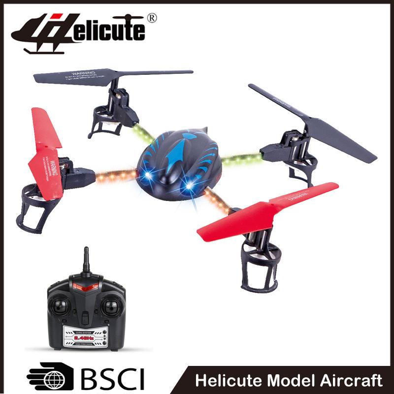 Plástico recargable 4ch rc juguete volador teledirigido plano con luz