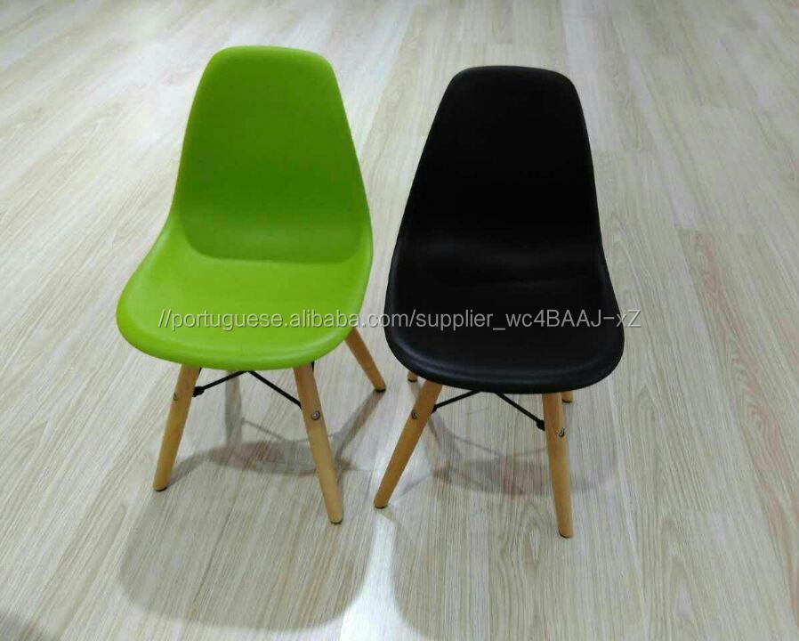 Cadeira de plástico para crianças Eames grossista