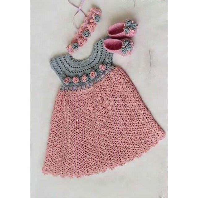 Girls Winter Pompom Hat Free Crochet Pattern - Crochet For You | 640x640
