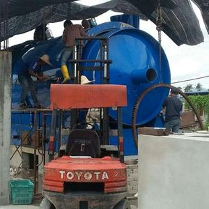 Continuous scrap tyre recycling to oil machine pyrolysis plant