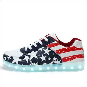 New model flat sole cool sneaker, American flag Simulation Flashing Light Shoes, Men's Led Shoes