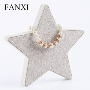 FANXI 도매 custom creamy 흰 색 linen 운 스타 (energy star shape necklace 및 펜 던 트 디스플레이 bangle jewelry display 서