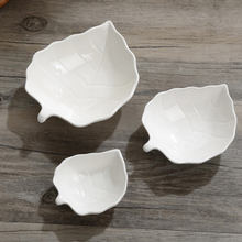 China supplier tableware leaf shaped ceramic sauce dish with multi-size