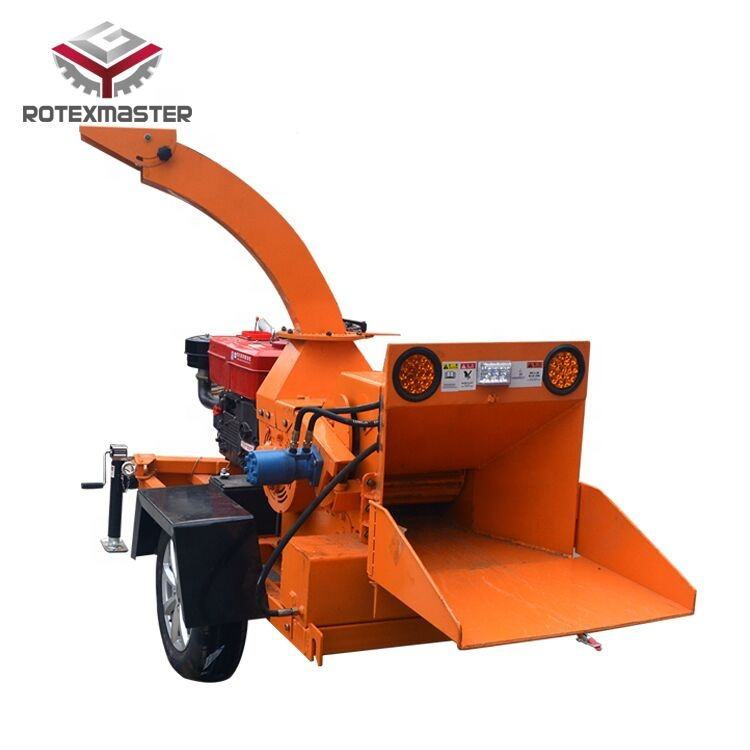 Small wood chipper shredder for branches
