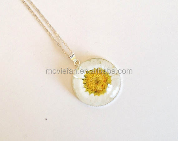 Fairy Garden Glass Flower Necklace Daisy Girl Botanical Woodland Real Flower Dried Flower Pendant