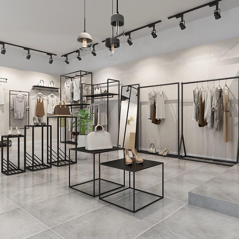 Торговое оборудование для магазина одежды фото