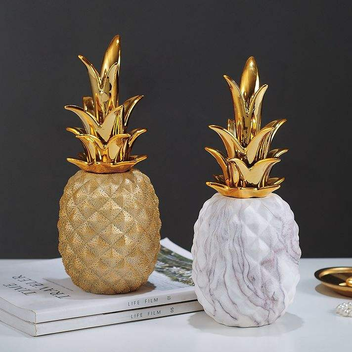 Hot sale shiny glaze colorful ceramic pineapple decor with gold leaf