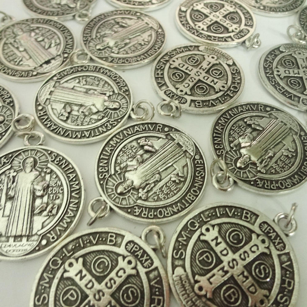 Lot of 25 Saint St Benedict of Nursia Patron Against Evil Medal Pendant 1 1/4 Inch