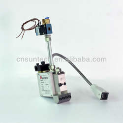 hot melt applicator with single coating head