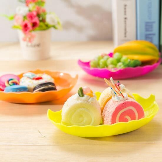 Hot wholesale factory price leaf shaped fruit plate / Creative design snack candy dish / European plastic dry melon seeds plates
