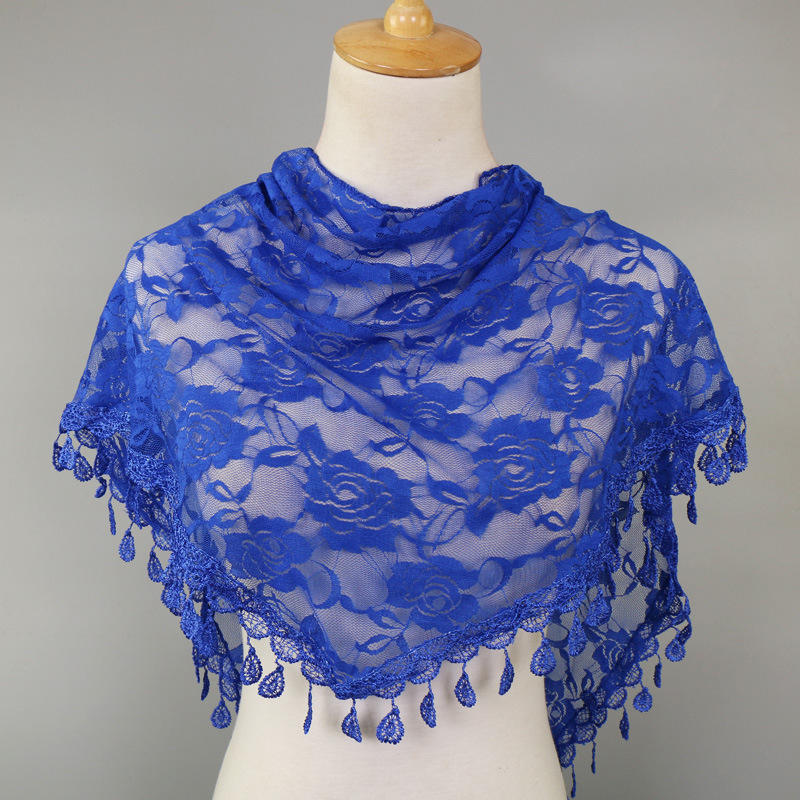 The hot lace triangle scarf hollow Korean triangle scarf female foreign trade hot sell