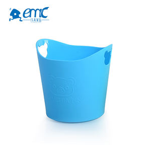 Small round cheap plastic bucket with handles