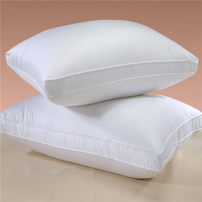 White Set of Two Goose Down and Feather Bed Pillow