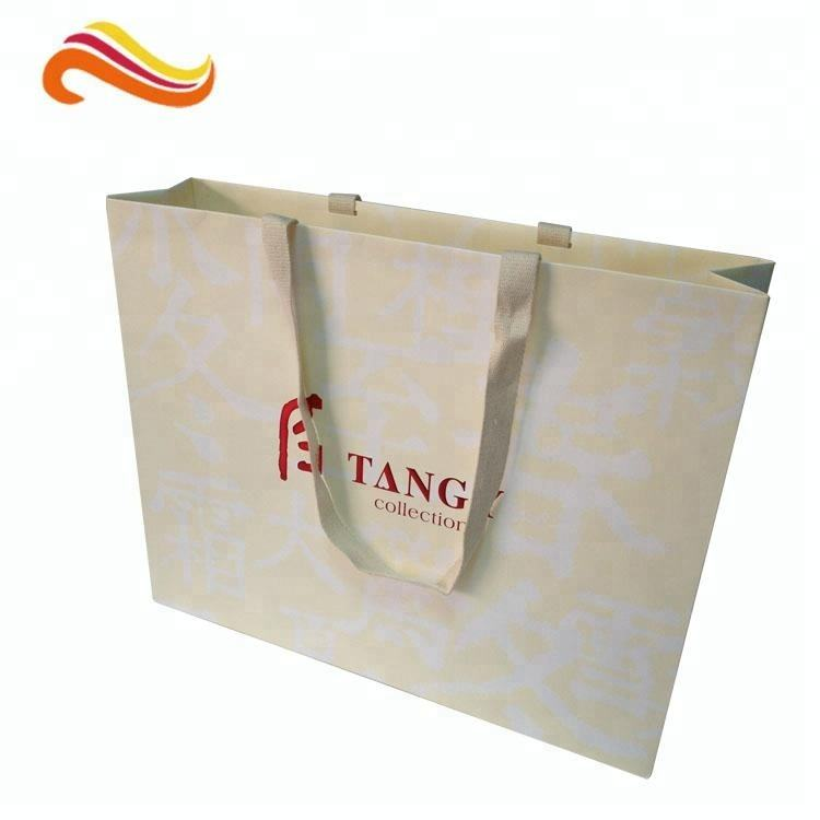 High end Cheap Price Apparel Paper bags with logo foil stamping