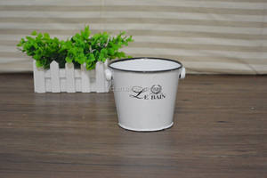 Vintage Enamel Metal Bucket Wash Bucket With Handle For Garden