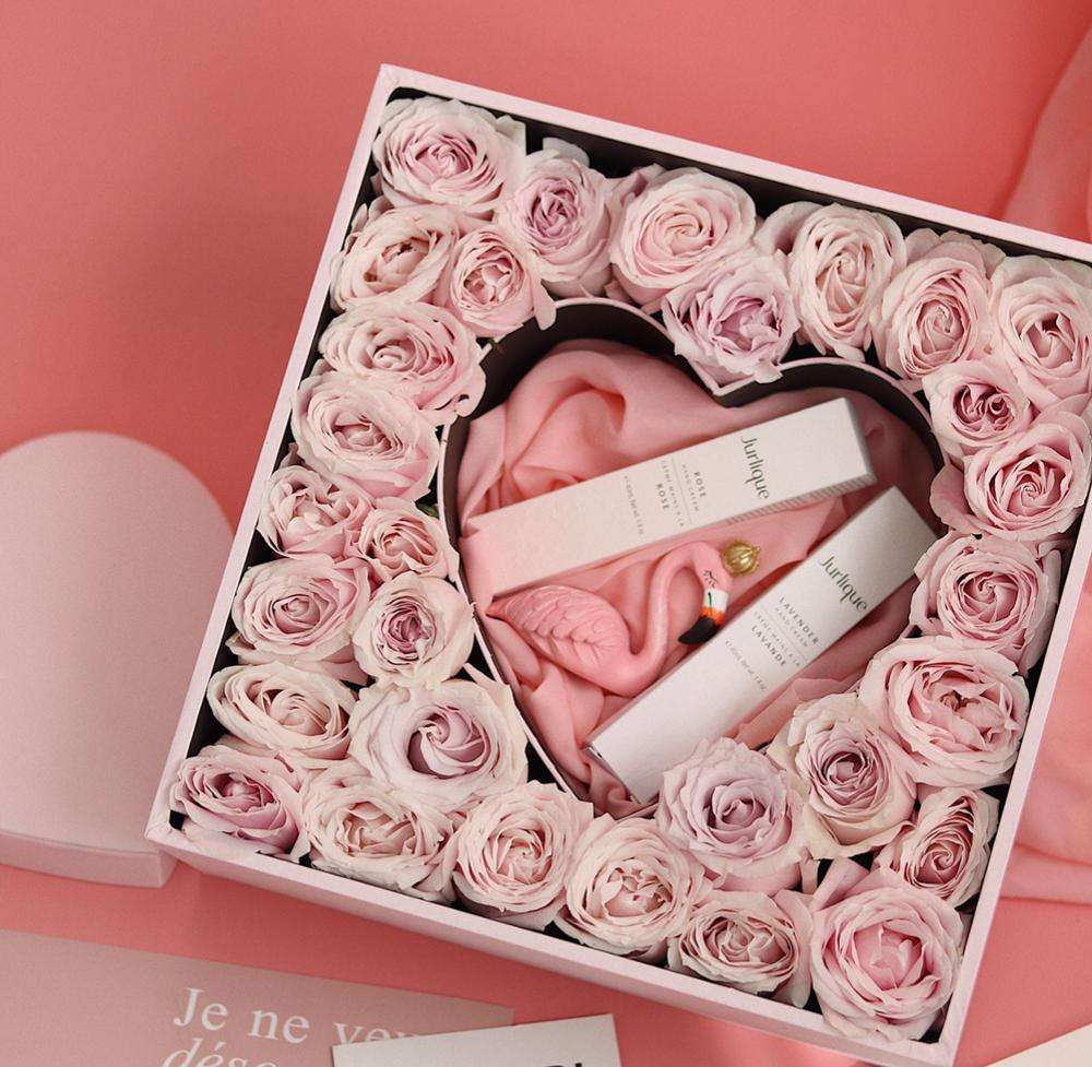Luxury pink square heart shape insert cardboard chocolate rose packaging flower box with clear pvc window for gifts