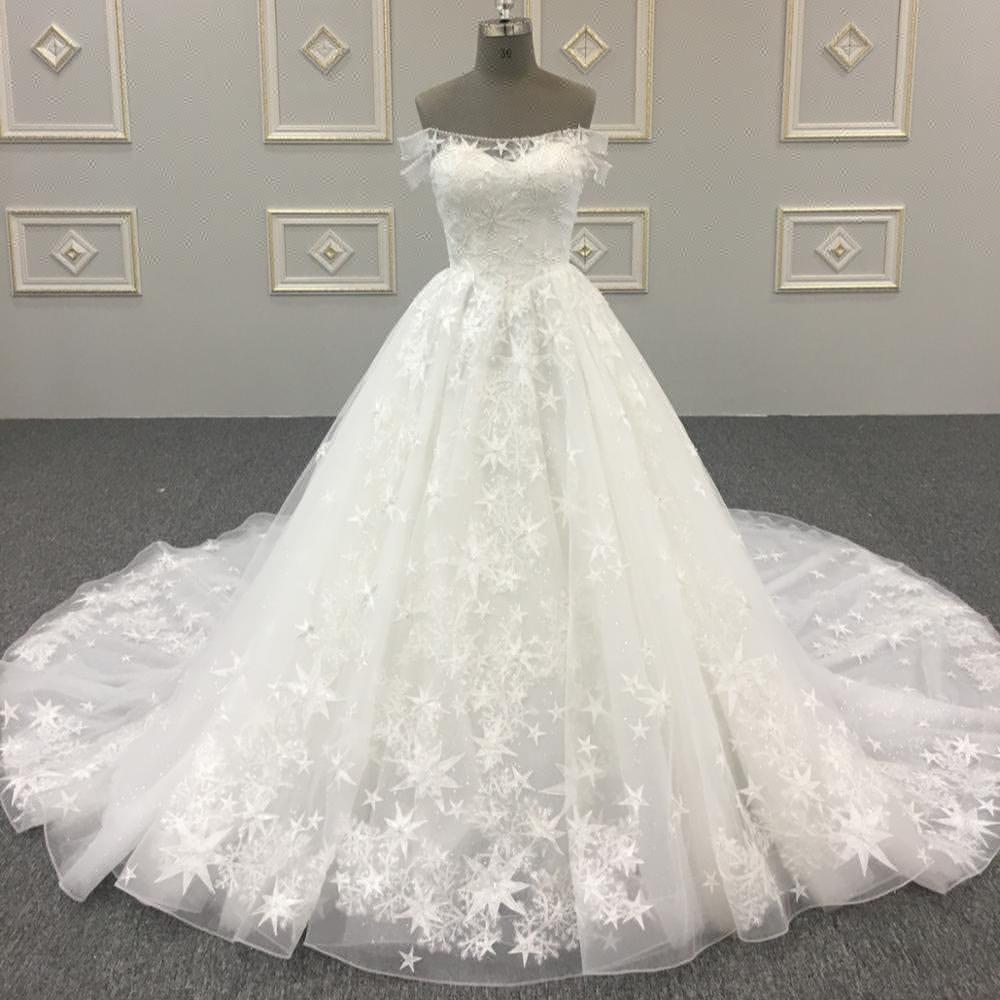 Célèbre star même style sexy de mode cristal robe de mariée cathédrale train robes de mariée