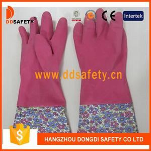 الوردي المنزلية قفازات اللاتكس الكفة البلاستيكية مع تصميم زهرة.( DHL711)