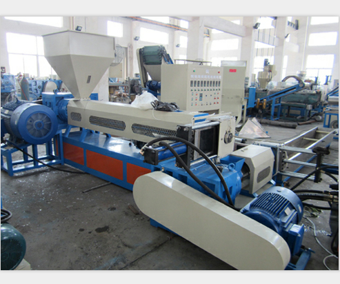 Waterkoeling Type Double-Stage Pp/Pe Plastic Recycling Machine