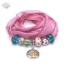 2016 Spring New Design No MOQ Dyed Arm Sari Silk Ribbon Bracelet for Women