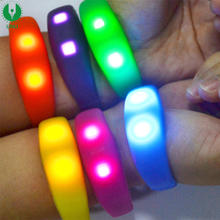 Novelty LED Flashing Sound Activation Silicone Bracelet Party Lighting Colorful Wristband,Gift Trendy New Glowing Bangle