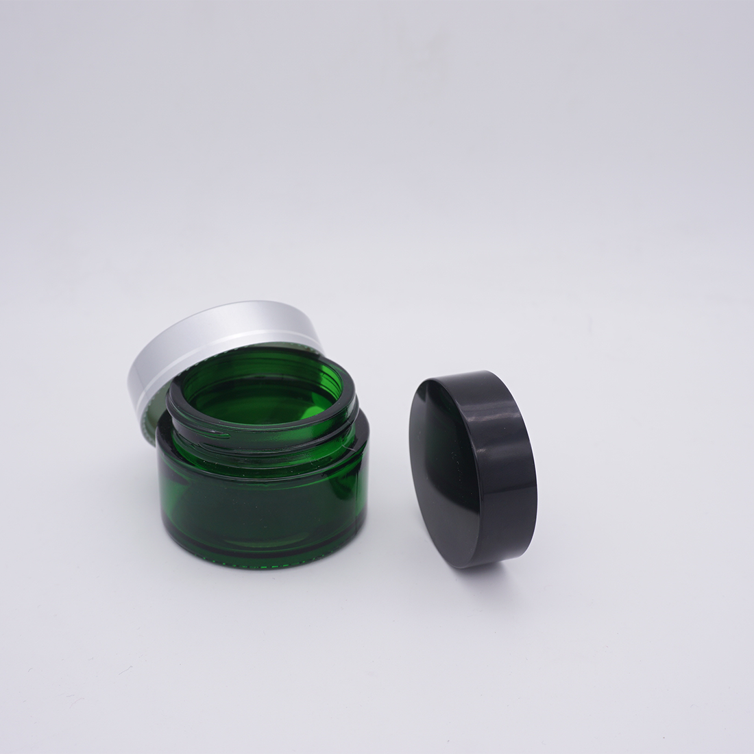 cosmetic packing green round glass cosmetic jar 5g with sliver lid for face cream